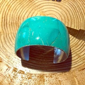 Turquoise stone and silver bangle
